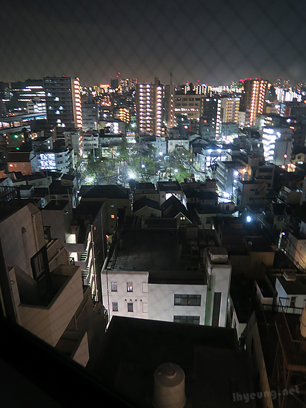 Kamata at night