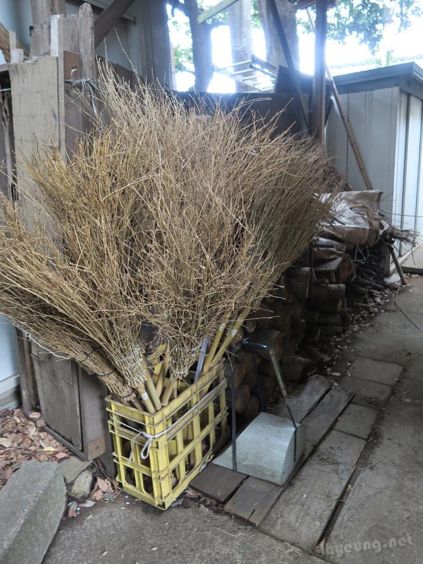 DIY brooms