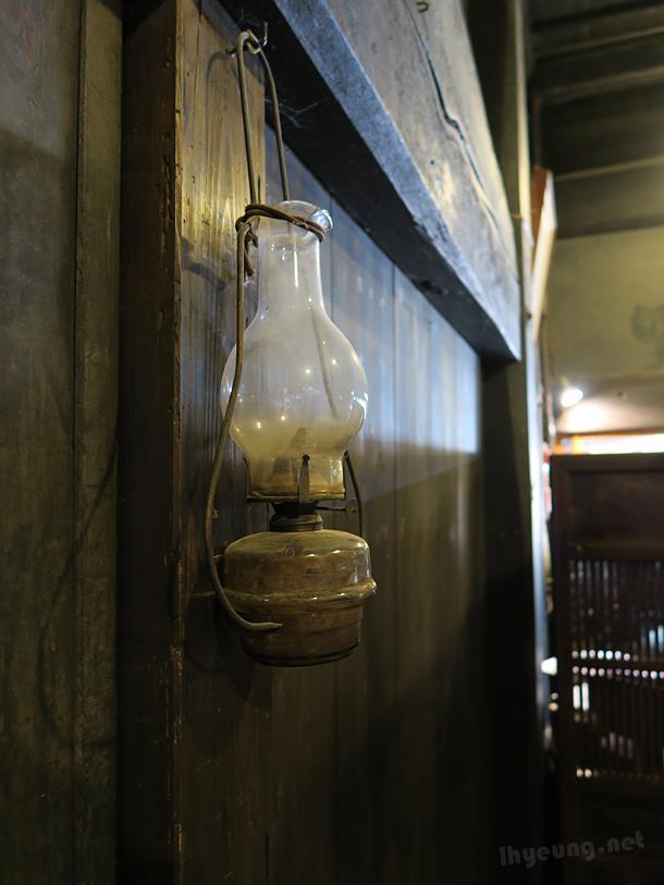 Oil lantern